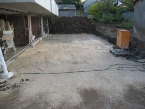 Garagenzufahrt planiert