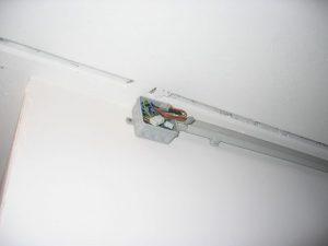 Kabel in zentraler Verteilerdose anschliessen