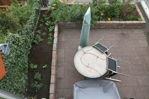 Beet auf Terrasse neu bepflanzt
